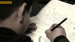 سادگے رو دوست داشتم همیشھ؛ مثل دستخط ت تو اولین کلاس زبان. | #لنزور | #محبت | #کلاس |#عکاسی