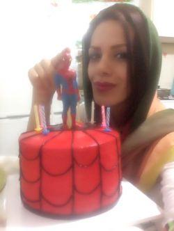 @mikaacake  @nimrokh_abi58  عاشقتم که خواهری با این کیک خوشگل و خوشمزت. ❤️☺️