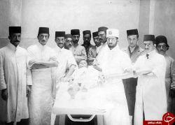 تیپ دکترها و پرستاران یک بیمارستان قدیمی
