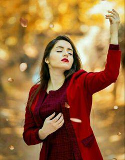 نشد یک لحظه از یادت جدا دل/ زهی دل! آفرین دل! مرحبا دل!/  زدستش یک دم آسایش ندارم/ نمی دانم چه باید کرد با دل!؟/  هزاران بارمنعش کردم از عشق/ مگر برگشت از راه خطا دل!/  به چشمانت مرا دل مبتلا کرد/ فلاکت دل مصیبت دل بلا دل!