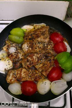 شام ماهی قزا آلا داریم بفرمایید☺️✋...