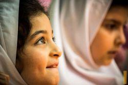 مجری مراسم گفته بود هر چی دوست دارین از #خدا بخواین! | #کودک  #حسینیه_شیرازیها #نیاوران #خدا #لنزور #حس_پاک #نگاه #لنزور #عکاسی