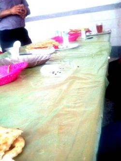 میز صبحانه بعد از حمله همکاران