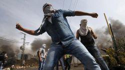 / یک روز پس از تظاهرات خونبار معترضان در نوار غزه که به کشته شدن دستکم ۵۹ نفر و زخمی شدن بیش از دو هزار فلسطینی انجامید، امروز سه شنبه، معترضان فلسطینی بار دیگر در «روز نکبت» به خیابان میآیند.