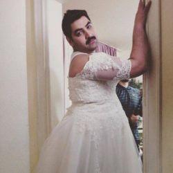 عروس باید ساده باشه،زیبایی تو سادگیه حتی با سیبیل :/ ☺️