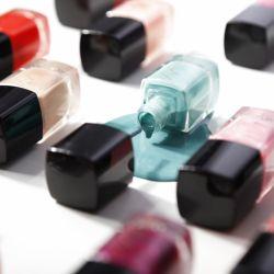 لاك های ناخن این لی در ٢٣ رنگ متنوع یکی از یکی خوش رنگ تر .  قیمت:١۳۶۰۰ تومان  #این_لی #محصولات_آرایشی #بدون_سرب#ساخت_ایران #بدون_پارابن #رژلب #کرم_پودر #ریمل #لاک #سایه #inlay #cosmetics #lipstick #mascara #eyeshadow #parabenfree #nails #nailpolish  http://inlaycosmetics.com/products/nails