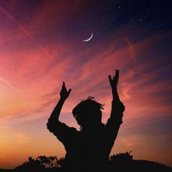 دلتنگی عین آتش زیر خاکستر است گاهی فکر میکنی تمام شده اما یک دفعه همه ات را آتش میزند . . . . .