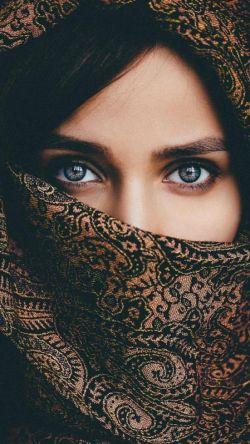 از هـــــمـــون    شبـــی کــــــه   نگفــت شــب خــــوش   فهمیـــــدم   شبـــاش با یکـــی دیگـــــــہ    خــوشــــه ...