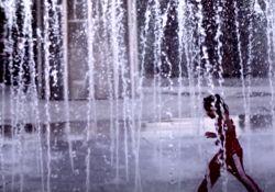 فیلم مستند یک پیشنهاد ساده        www.filimo.com/m/4008