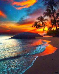 طبیعت زیبای ساحل و آسمان زیبایش