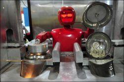 این پست به درخواست داداش جیگر گذاشته میشه ..ایشون تحقیقی دارن در رابطه با آشپزی اونم توسط ربات ها .. بنظرتون یروزی میشه بجای ما ربات ها آشپزی کنن مثلا سالادی دسری غذای حاضری چیزی برامون درست کنن ؟