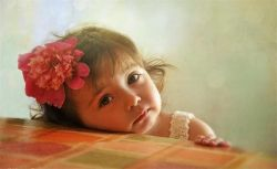 سایه ها عاشق ترند... من روبروی تو می ایستم سایه ام به پای تو می افتد ... . #احسان_پرسا