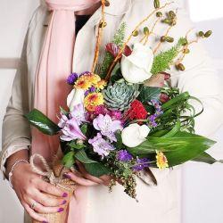 این دسته گل تقدیم به دسته گل لنزور،میس ساغر...کسی که حواسش به همه هست،هیچکی حواسش بهش نیست...شرمنده معرفتتیم،تولدت مبارک :) @saghar7amin