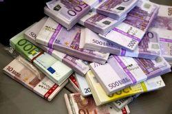 حواله ارزی برای شرکتهای تولیدی مجاز شد بانک مرکزی انجام حواله ارزی به منظور واردات کالا برای شرکتهای تولیدی را در صورت تأیید وزارتخانه مربوطه تا سقف ۵ میلیون یورو یا معادل آن به سایر ارزها بلامانع اعلام کرد. ادامه خبر در: http://www.paperandwood.com/Fa/NewsItem/?nID=6681