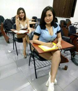 والا اگه کلاسای ماهم اینجوری بود من صبح جمعه هم پا میشدم میرفتم کلاس