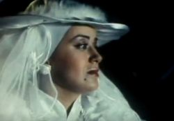 فیلم سینمایی عروسی مهتاب  www.filimo.com/m/9iLRr