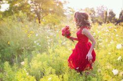 مــَن بَدم......!! تو خـــــــــوب بــاش....!! دیگر ســُراغم را نگیر....... خودَم را جایی در این زندگی گم کرده ام.. دنبالم نگرد پیدایم نمیکنی ..  نفس بکش.... به جای من هم اگر توانستی مهربانی کــُن..  شبها به ستاره ام لبخند بزن وماه که کامل شد از جانب من آرزویی کـُن.....!!  خودَت هم منت بر سرم بگذار وفراموش کـُن بــودنم را....!! خودم نیز..... چنین حـَل شـُدم.....مثل یک معما.... راست میگفتی ....خیلی ساده ام............!!!!!