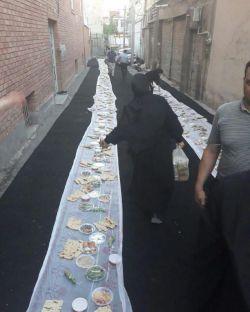 قاسم میرزایی (نماینده مجلس) سفره افطاری خود را برای کارتنخوابها در منطقه مولوی تهران پهن کرد