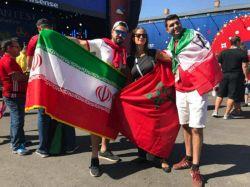 این عکس نشون میده ما ایرانیا همیشه برندهایم حتی اگه نتونیم تو زمین فوتبال گل بزنیم، جور دیگه گل میزنیم تو دروازه حریف