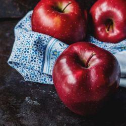 عشق... سیبی ست، که دوران تکامل دارد  اتفاقی ست که وقتش برسد، می افتد...^___^