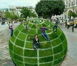 این پارک در پاریس به طرزی ساخته شده است که اگر از یک نقطه مشخص به آن نگاه کنید، به شکل یک کره دیده می شود!