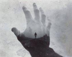 دل تنگ و دست تنگ  و جهان تنگ و  کار تنگ ... از چهار سو گرفته مرا روزگار تنگ ...