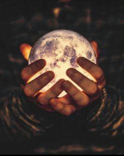 """شبی خواهد آمد..... که ماهم را در آسمانم میبینم..... """"sun.moon"""""""