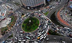 جان سالم به در بردن رانندهای که پشت فرمان خوابش برد  یک شهروند چینی که حدود یک دقیقه با چشمان بسته رانندگی میکرد، پس از تصادف از خواب پرید.