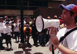 فیلم مستند به نام آزادی  www.filimo.com/m/bPduk