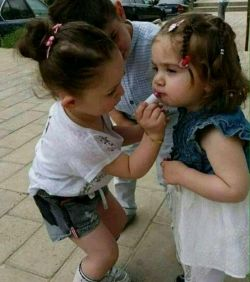 من نمیدانم چرا وقتی قرار بوسه نیست/ باز هم لب های خود را ارغوانی می كنی؟ ...  #شهراد_میدری... #لب_تو_با_لب_من_وای_خدایا_چه_شود!؟...:)