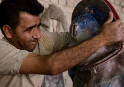 فیلم مستند «مانکن های قلعه حسن خان»          www.filimo.com/m/1pvkR
