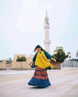 مست رَوَد نگارِ من  در بَر و در کنارِ من/ هیچ مگو که یارِ من  با کَرَمست و با وفا... #مولانا... #هی_رقص_کنی_از_تنت_الهام_بگیرم... #محمدحسین_ملکیان
