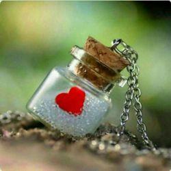 زندگی زیباست دلخوریهایش زودگذر شادیهایش هم میگذرد.  آنچه باقی میماند کار نیکی است که شاید  گره از کار کسی گشوده باشد و دل غمگینی را تسلی داده باشد جز این هیچ چیز نمیماند.  ya3