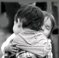 میخواهمت، که خواستنیتر ز هر کسی/ کو واژهای که سادهتر از این بیان کنم؟... #سیمین_بهبهانی... #در_آغوش_تو_حال_من_همیشه_خوبه_خوبه...❤️☺️