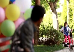 فیلم کوتاه «مثل بادبادک»         www.filimo.com/m/MTm7r