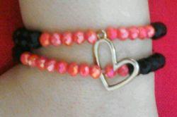 ***دستبند***: دستبند قلب قرمز و مشکی دو قلو سنگ با رنگ ثابت آویز قلب استیل فقط:۱۵.۰۰۰ تومان