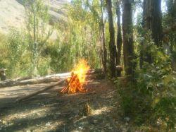 طبیعت را آتش بزنیم خخخ .. یه جمعه عالی بیرون از شهر با رفقای هیعتی ^_^ جاتونم اصلا خالی نبود خخ