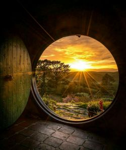 سلام صبحتون بخیر به زندگی دوباره دردوشنبه ای زیبا خوش آمدید  الهی تاجهان باشد به شادی درجهان باشید الهی ازهمه غمها، به دورودرامان باشید   آخرین دوشنبه شهریورماهتون زیبا امروزتون پرازبرکت⚘