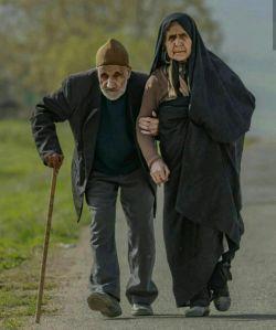 در کمالیت حُسنت نرسد درکِ عقول/ هر چه در خاطرم آید تو از آن خوبتری ... #خواجوی_کرمانی... #با_پای_دل_قدم_زدن_آن_هم_کنار_تو... #محمدعلی_بهمنی