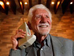 مخترع اولین و پدر تلفن همراه http://donya-digital.com/Blog/A/B-1720
