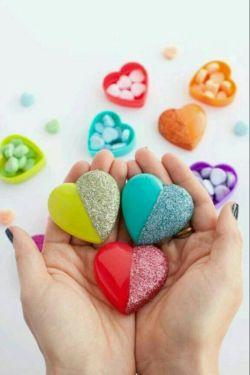 مهربان باشید تا عمرتان طولانی شود!  مهربانی، میزان هورمون های سروتونین همان هورمون های شادی بخش را در بدن افزایش میدهد و یکی از عوامل طولانی شدن عمر انسان است