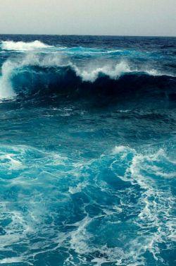 ~اگه مشکل داری صبور باش و دلتو به دریاها بزن~