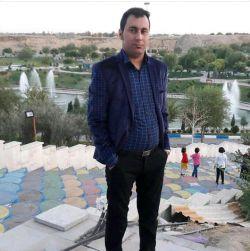 پروتزیست دندان فارغ التحصیل از دانشگاه شهید بهشتی تهران