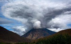 """عکاسی شماره ده      موضوع""""ابر""""      تاریخ: 18 مهر ماه      دوربین نیکون: D5200      لنز نیکور: 55-18 میلیمتری      لوکیشن: مازندران      عکس منتخب هفته از خانم لیدا"""