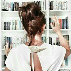اگر کسی را دیدید که درک و فهمی فراتر از حد متعارف داشت، حتما از او بپرسید که چه کتاب هایی میخواند.   #رالف_والدو_امرسون