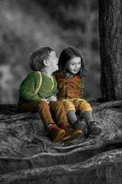 بهترین جفت در جهان  خنده و گریه است، آنها هیچگاه یکدیگر  را همزمان ملاقات نمیکنند ولی اگر آن دو یکدیگر  را ملاقات کردند آن لحظه  بهترین لحظه زندگی شماست  . الهی قمشه ای