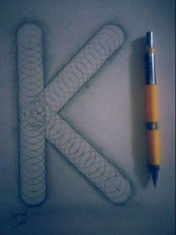 طراحی حرف K توی دفتر نقاشی داداش کوچیکم .. ایشالا فردا 20 بگیره زنگ هنرش خخخخ