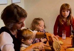 فیلم مستند بذرهای نابودی  www.filimo.com/m/tsn8M
