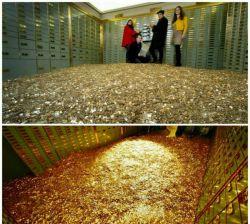 رویای شنا کردن در پول به واقعیت تبدیل شد! این اتاق که با 8 میلیون سکه 5 سنتی سوئیس پر شده است ارزشی معادل 450 هزار دلار دارد و اکنون به بالاترین پیشنهاد  به فروش می رود