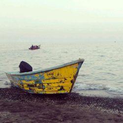به دریا می،زنم، شاید به سوی ساحلی دیگر مگر آسان نماید مشکلم را مشکلی دیگر